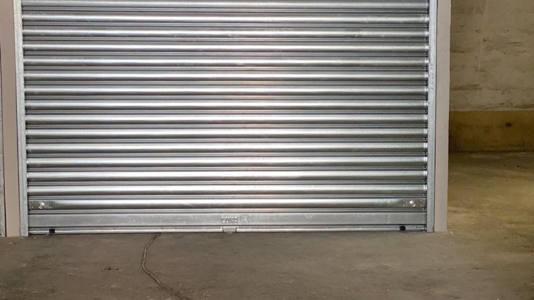 AURELIA – Box auto 27 mq nuova costruzione