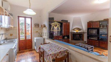 APRILIA – Villa indipendente di 100 mq con terreno