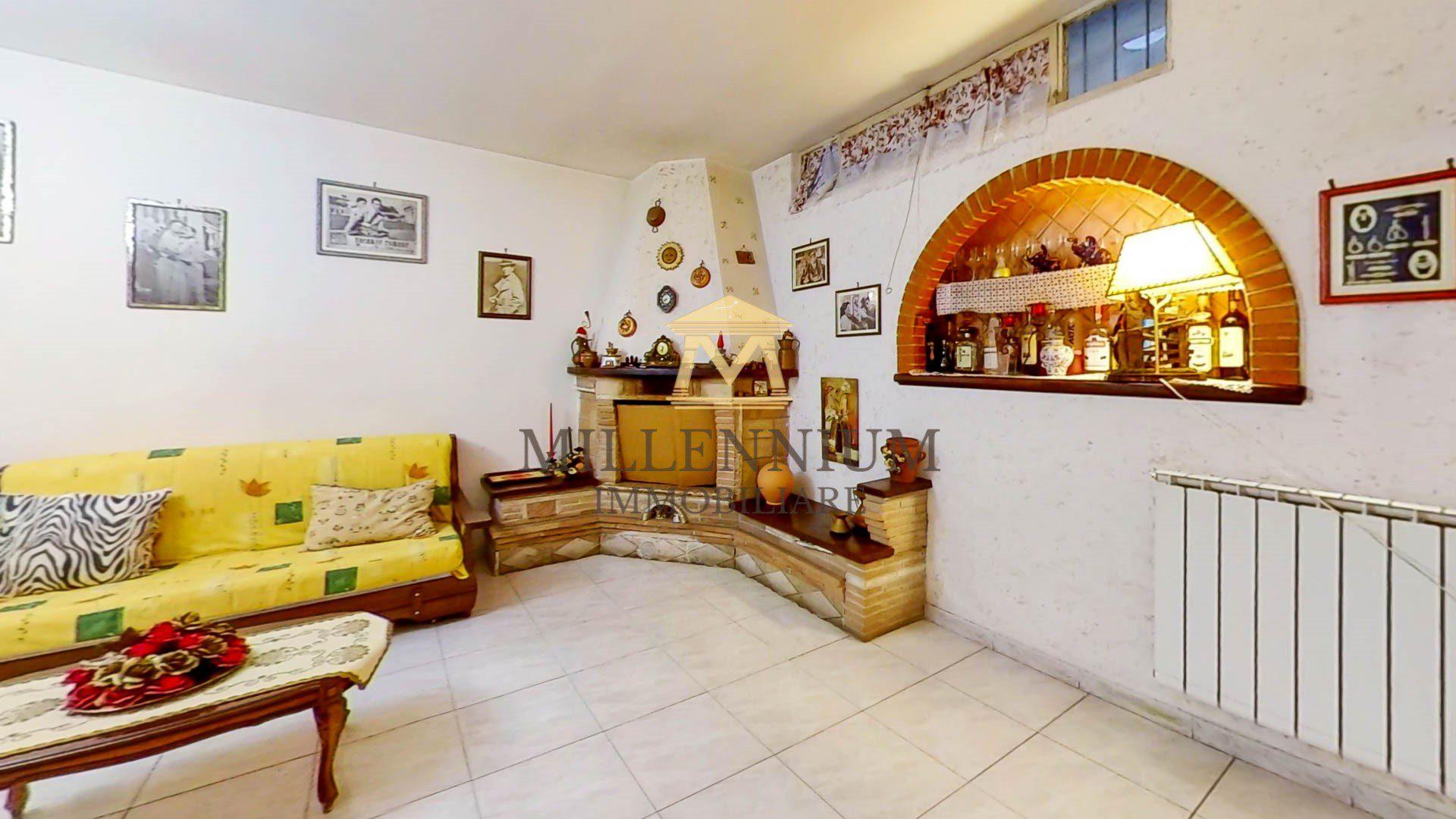 Via-Torralba-18b-Living-Room